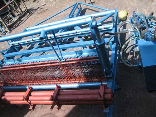 Simi-automatic Hydraulic Crimped Wire Mesh Machine